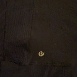 lululemon athletica Jackets & Coats - Lululemon in flux jacket in navy size 6